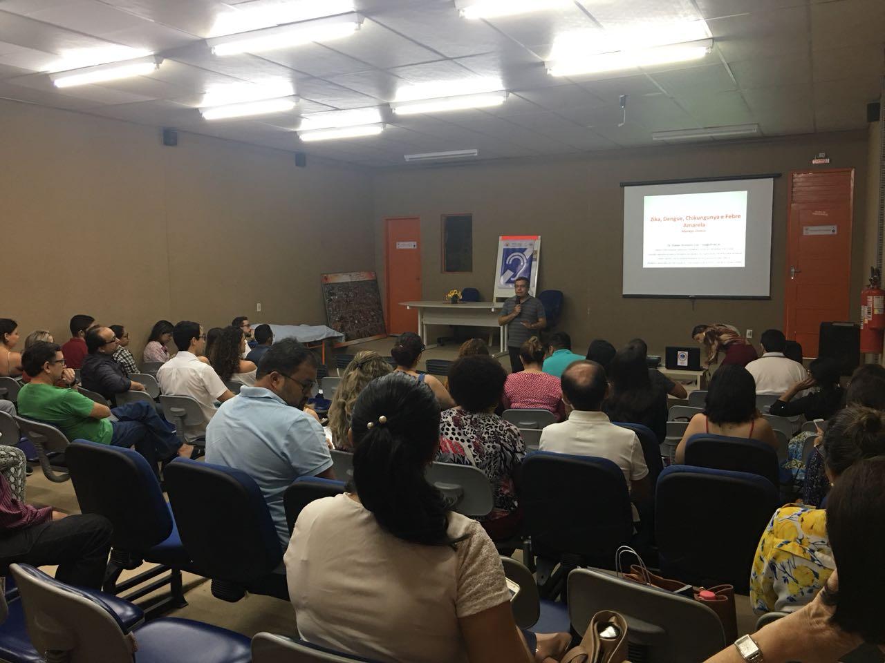 Médicos cooperados participam de palestras sobre Manejo Clínico de pacientes